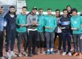 احتفال الجماهير مع لاعبي العربي