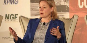سارة هيرشلاند الرئيس التنفيذي للجنة الأولمبية الأمريكية