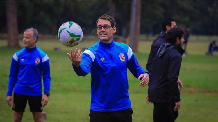 فايلر مدرب الأهلي المصري