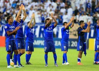 الهلال السعودي - لاعبو الفريق يحيون الجماهير