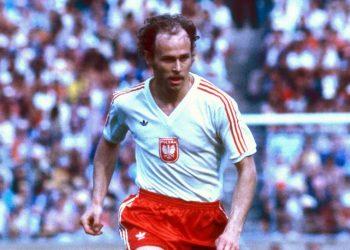 جرزيجورز لاتو نجم الكرة البولندية يحتفل بعيد ميلاده