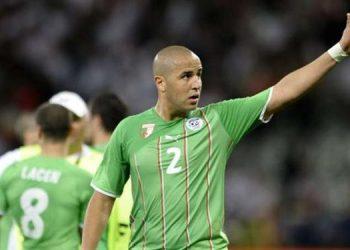 مجيد بوقرة لاعب منتخب الجزائر السابق