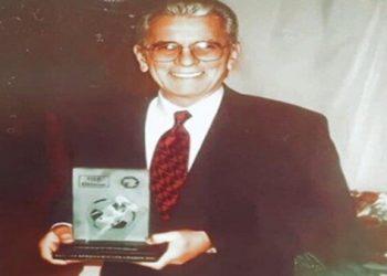 صالح سليم يتسلم جائزة نادي القرن الإفريقي