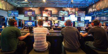 ألعاب الفيديو- سامسونج - للألعاب الإلكترونية