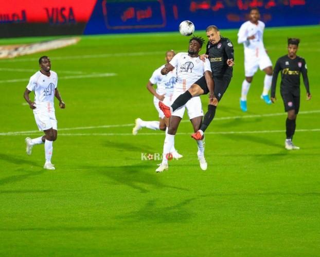 مباراة الشباب السعودي والرائد
