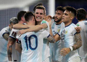 الأرجنتين ضد بيرو في تصفيات أمريكا الجنوبية لكأس العالم