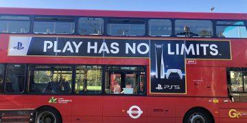 بلاي ستيشن 5 يطلق حملته الدعائية في شوارع إنجلترا