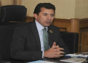 وزير الرياضة اشرف صبحي