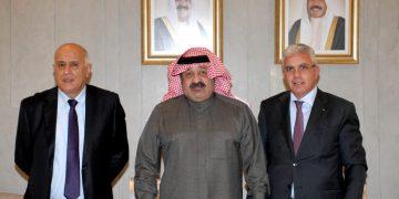الشيخ أحمد اليوسف رئيس اتحاد الكرة مع اللواء جبريل الرجوب